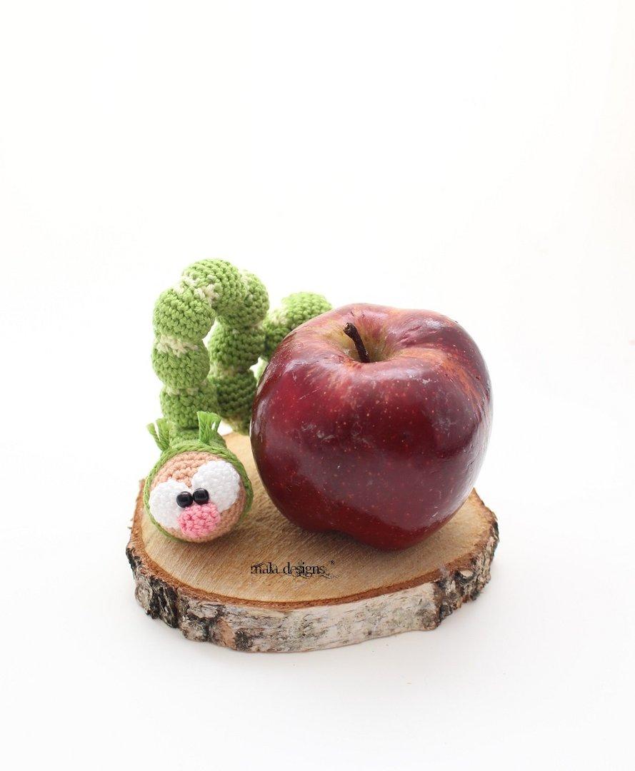 Kleine Raupe Mala Designs